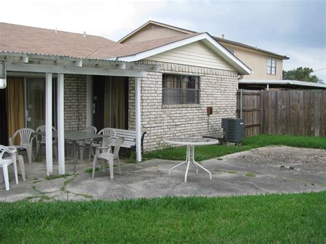 Backyard Wikipedia