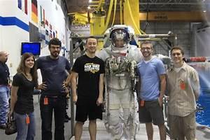 NASA Tours Houston School (page 2) - Pics about space