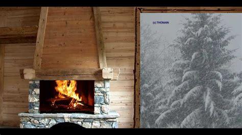 chalet sous la neige feu de cheminee qui crepite dans un chalet sous la neige 雪 снег