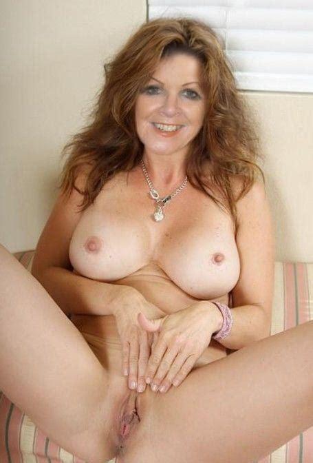 Hot Chesty Moms Naked Xxx Pics