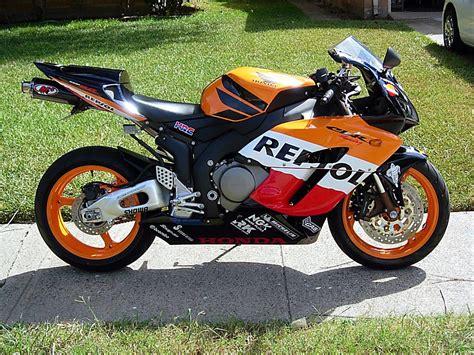 cbr 1000 rr sc57 f s 2005 honda cbr 1000rr repsol edition sportbikes net