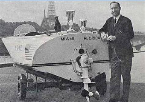 Cigarette Boat Inventor by Classic Fiberglass Boats Seabuddy On Boats