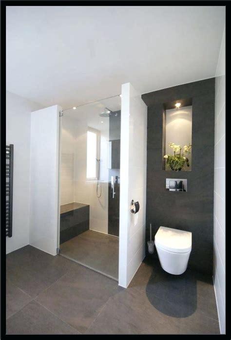 Moderne Badezimmer Fliesen Höhe by Badezimmer Fliesen Modern Sandfarben Hell Badezimmer