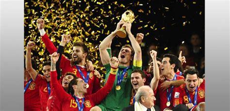 si e du journal le monde l 39 équipe espagnole de football sur l 39 île de ré ré à la hune