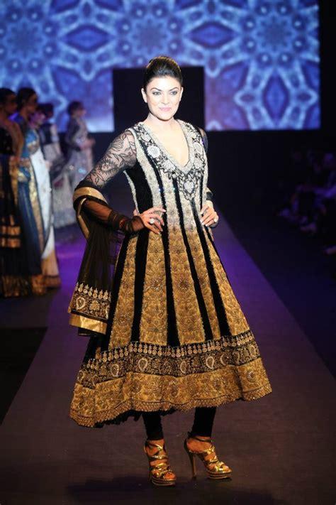 bollywood actresses  ritu kumar outfits