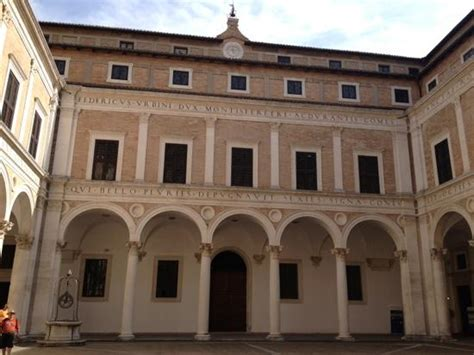 Cortile Palazzo Ducale Urbino by Cortile Palazzo Ducale Picture Of Urbino Province Of