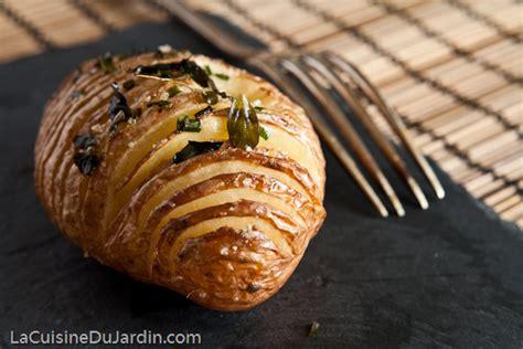 cuisiner le quinoa pommes de terre au four à la suédoise hasselback potatis la cuisine du jardin