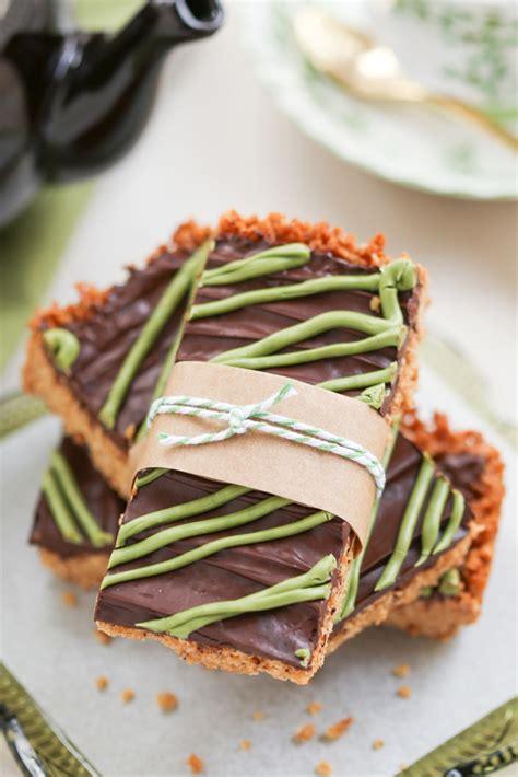 Irish christmas cookies, basic irish sausages / from irish traditional food,, irish christmas cake, etc. 14 Classic Irish Desserts for St. Patrick's Day - Traditional Irish Dessert Recipes