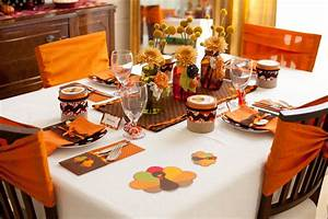 Party Reveal Kid Friendly Thanksgiving Table