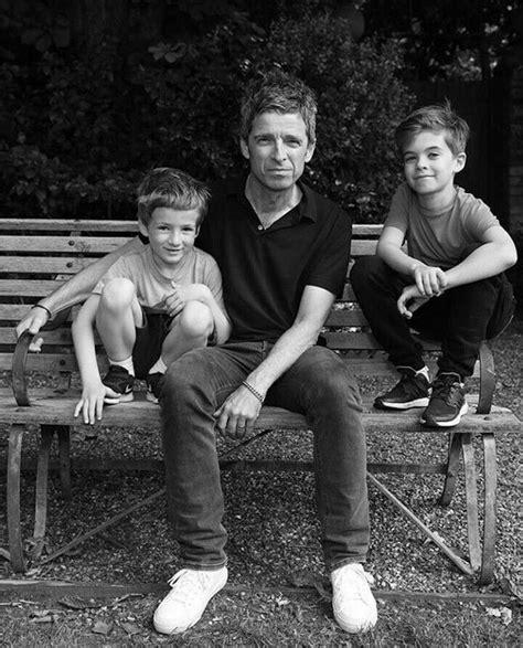 ℗ 2009 noel gallagher/teenage cancer trust. Noel Gallagher, Donovan&Sonny Gallagher | Noel gallagher ...