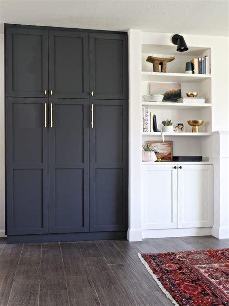 built  pantry home garderobsvaegg garderobsdoerrar