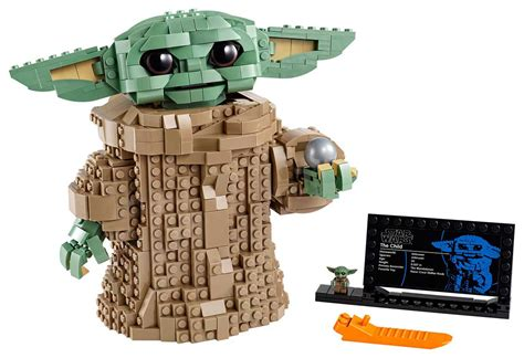 LEGO The Child Brings Us a Brick-built Baby Yoda