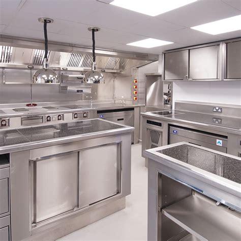 restaurant cuisine réalisation cuisine professionnelle inox restaurant hôtel
