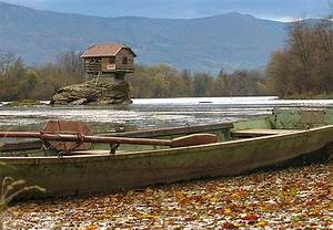 Serbia's reclusive house built on a rock in middle of ...