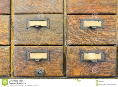 vieux bureau bois vieux tiroirs en bois photos stock image 32496333