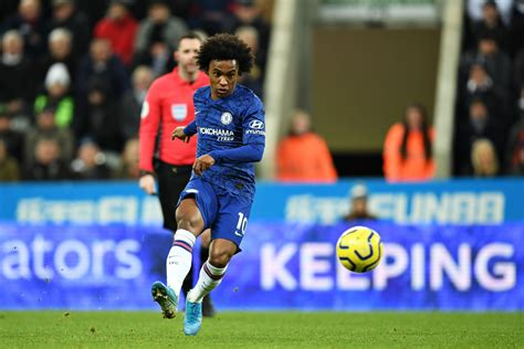 Chelsea fans critical of Willian after his performance ...