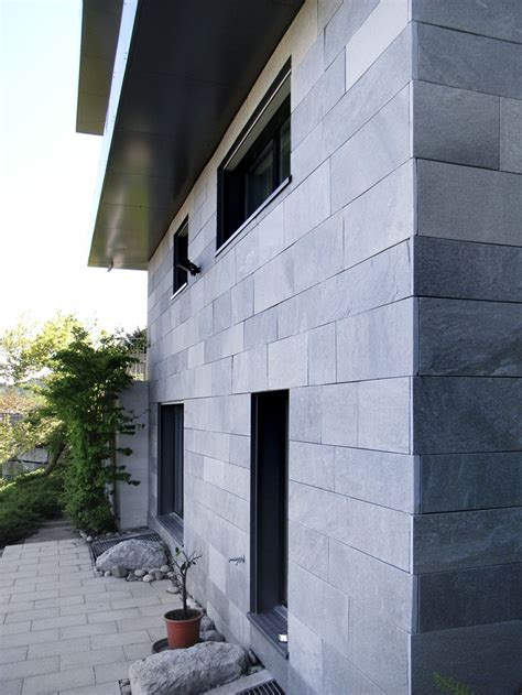Mit Fassadenplatten by Die Fassadenplatten Wurden Vorgeh 228 Ngt Um Die Hinterl 252 Ftung