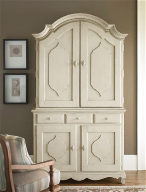 Paula Deen Sideboard by Paula Deen Sideboard With Hutch In Linen Traditional