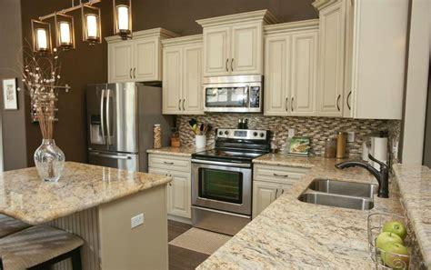 beautiful kitchen cabinets  granite countertops love