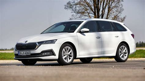 Further details are concealed in the car's rear section and interior. Skoda Octavia Combi (2020) im Test