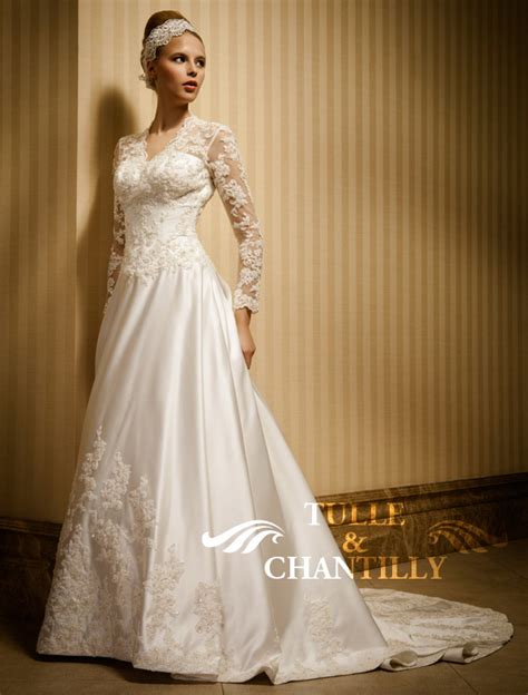 top  hot wedding dresses styles  winter wonderland