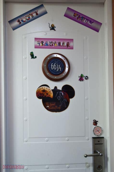 decorating  stateroom door  custom magnets
