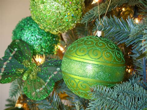 green tree decorations decorating an irish themed christmas tree amazing christmas ideas