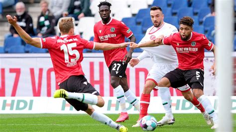 Maybe you would like to learn more about one of these? Hannover 96: Kenan Kocak hat gegen Aue und Würzburg Sieg ...