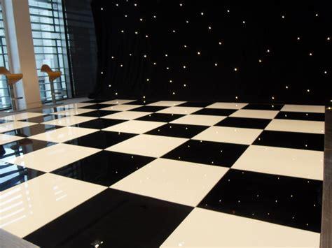 checkered vinyl flooring