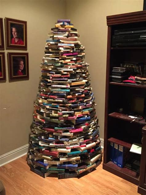 can you make a christmas tree out of cds slipped disc