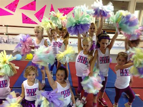 How To Make Cheerleading Pom Poms Out Of Tissue Paper