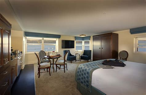 Extended Stay Hotel Rooms And Suites • The Edgewater