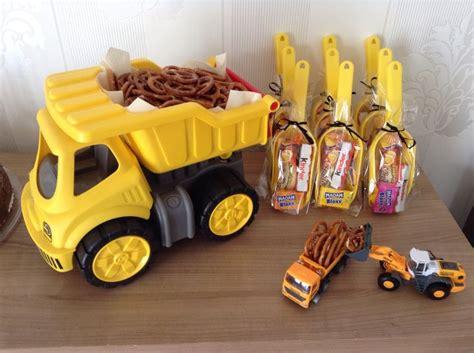 kindergeburtstag spiele für 4 jährige die besten 25 auto torte ideen auf auto kuchen bug geburtstagskuchen und auto