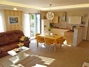 Küche Und Wohnzimmer In Einem Kleinen Raum : villa with wonderful sea view fa ana istria firma obrt za turizam bonsai ivan ugar ~ Markanthonyermac.com Haus und Dekorationen