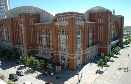 The American Airlines Center continuously sets the ...