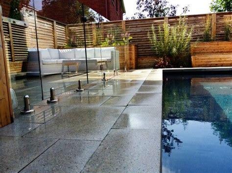 toile de piscine creusee www am 233 nagementdenis piscine creus 233 e avec toile cl 244 ture en bois de c 232 dre et dalles