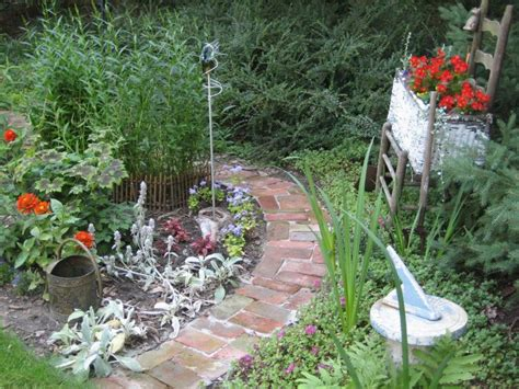 creative garden path ideas garden edging ideas