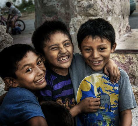 Los Niños Felices / Happy Children   La Sonrisa de un Niño ...