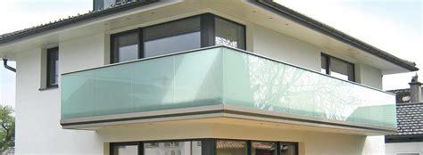balkongeländer aus glas balkongel 228 nder alu glas