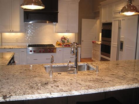bianco antico granite island with white perimeter