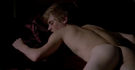 The Stars Come Out To Play Johnny Flynn Naked In Murder In Suburbia
