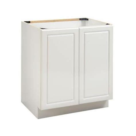 sink at the door heartland cabinetry bathroom 30 in 2 door sink base in