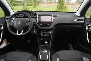 Nouvelle 2008 Peugeot Boite Automatique : essai peugeot 2008 1 2 e vti 82 etg5 3 pattes et 1 boulet ~ Gottalentnigeria.com Avis de Voitures