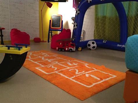 tapis pour salle de jeux un tapis pour une salle de jeux mon shopping tapis enfants