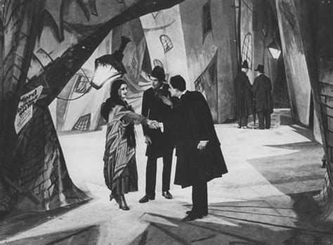 cabinet of dr caligari analysis the cabinet of dr caligari analysis context is everything