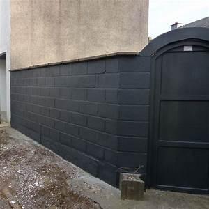 peindre un mur en parpaing swyzecom With peindre un mur en parpaing