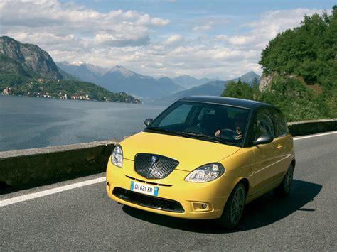 Mad 4 Wheels 2007 Lancia Ypsilon Sport Momo Design