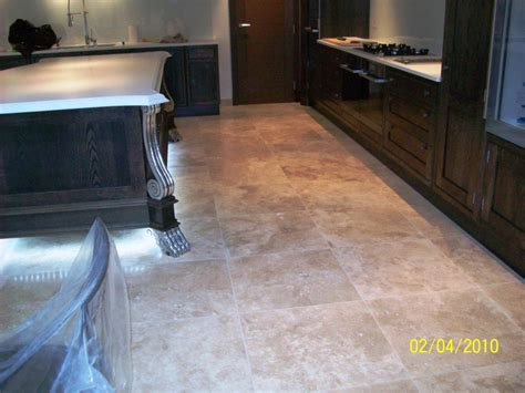 Travertine Floor Cleaning Machines by Travertine Tiled Kitchen Floor Cleaning And Sealing