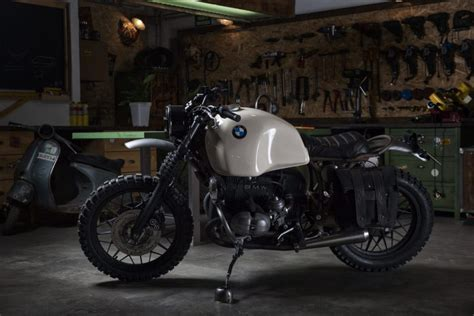 ufo garage bmw  rs  german desert sled