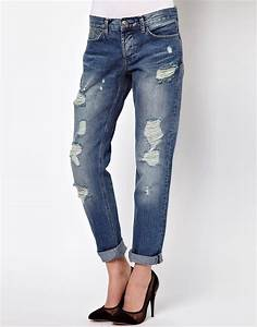 The Thoughts of a Flower Child Closet Essentials BOYFRIEND JEANS